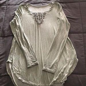Women's small AEO Soft & Sexy hi low v neck shirt